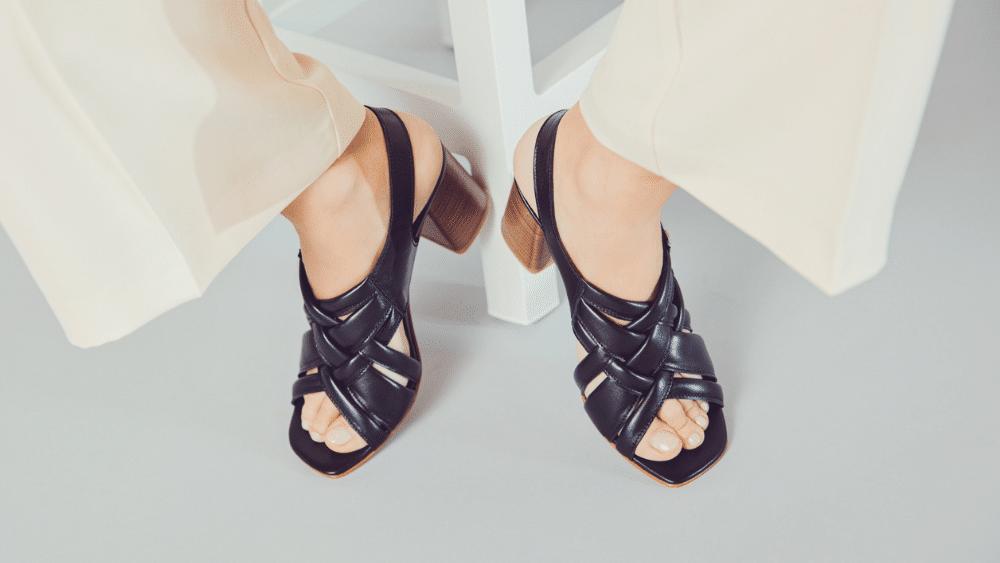 Sandali e smalti un abbinamento possibile, un dettaglio che può fare la differenza per un look impeccabile